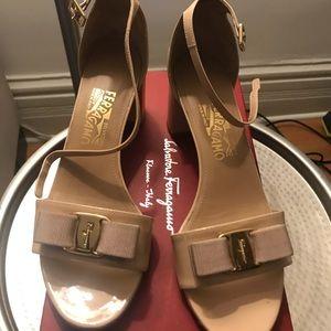 Nude 9.5 patent heels